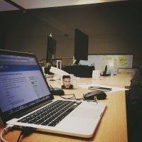 laptop w biurze